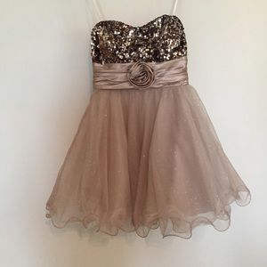 Strapless sequined, tulle short formal dress